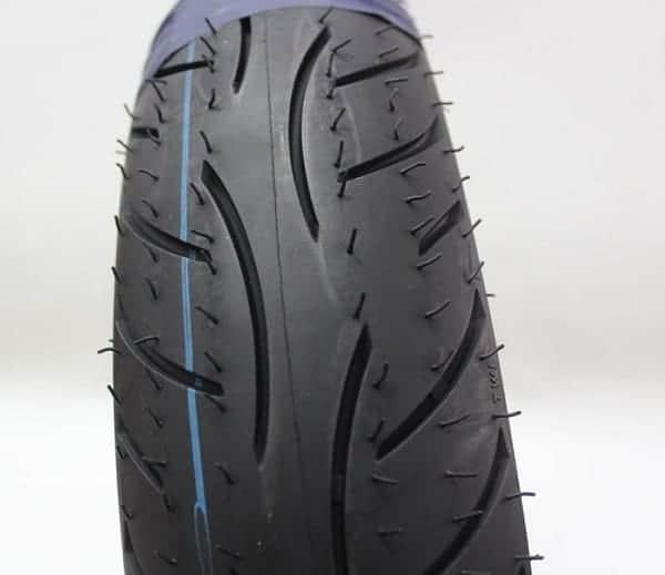 Cận cảnh thiết kế của lốp xe Metzeler 100/80-14