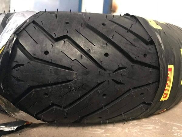 Lốp Pirelli 110/80-14 Angel Scooter