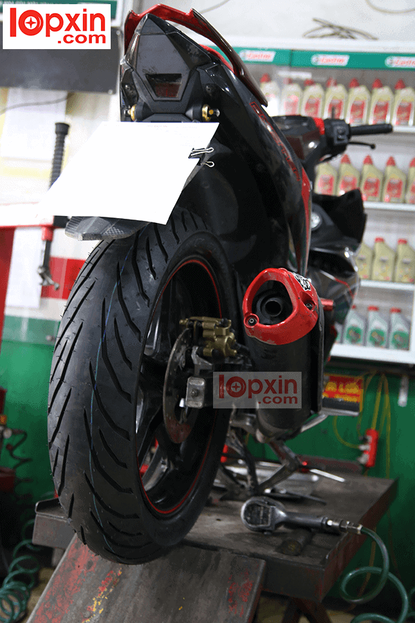 Lốp Pirelli Angel City 130 lắp trên Exciter 150
